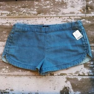 BDG Urban Outfitters Chambray Shorts Elastic L